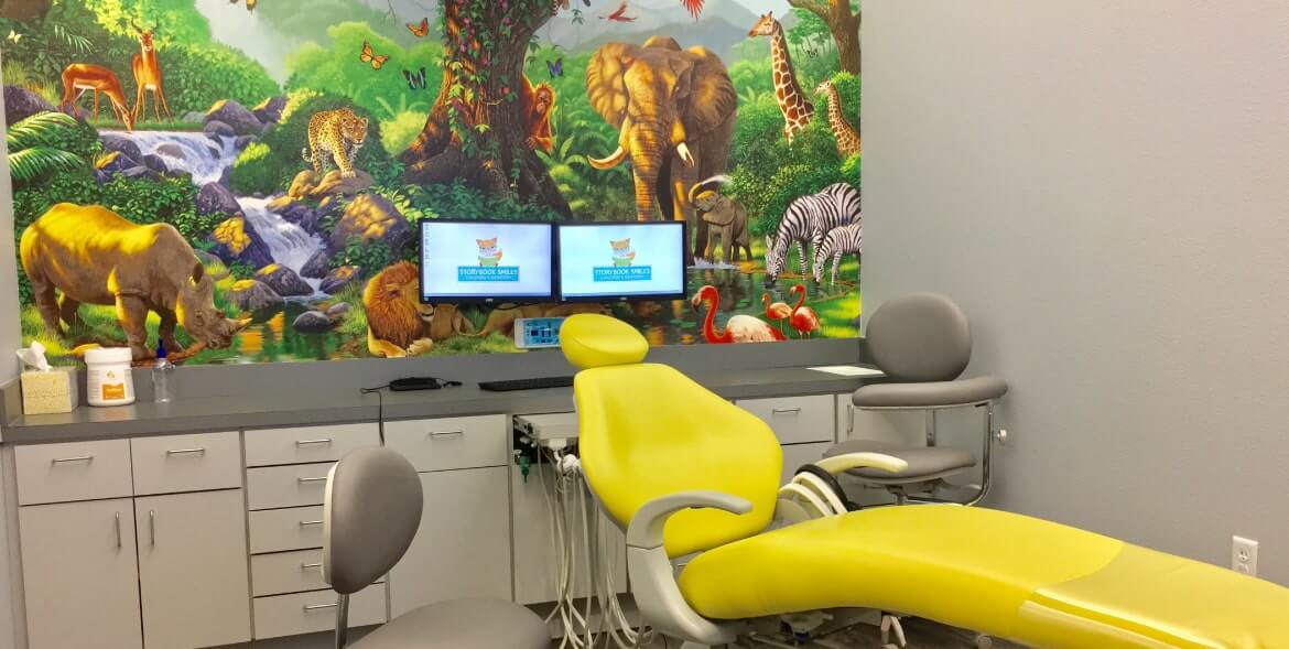 Jungle theme exam room